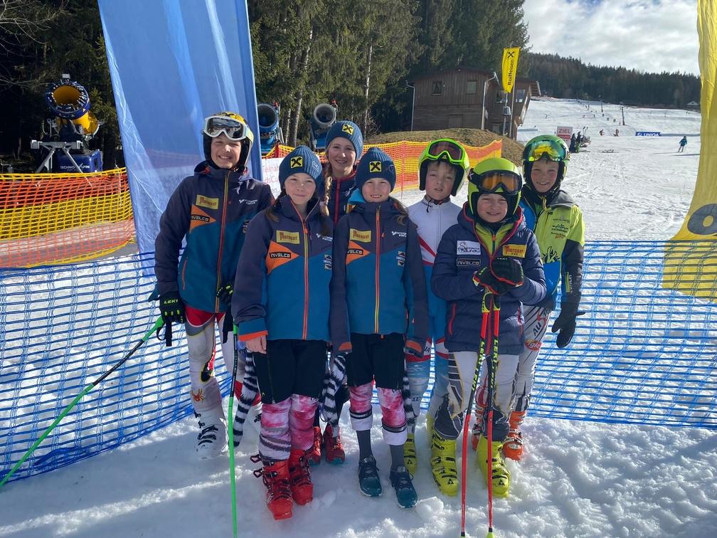 Das sehr erfolgreiche Team der Skimittelschule Murau.jpg